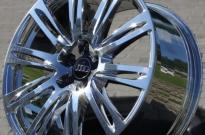 Audi A8 hochglanzverdichtet