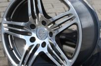 Porsche Turbo hochglanzpoliert