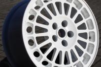 Lancia Delta Integrale mit Pulverbeschichtung Weiss