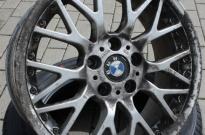 BMW mit Rand und Frontschaden